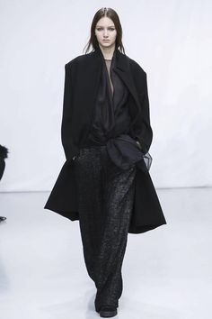 Moon Young Hee Ready To Wear Fall Winter 2014 Paris