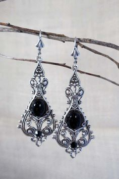 Lady Raven Earrings