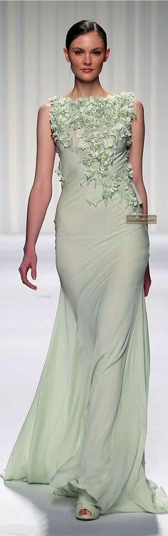 ✿ Lady in green Abed Mahfouz Couture Spring Summer 2013 Abed Mahfouz, Fashion Moda, Runway Fashion, Elegant Dresses, Formal Dresses, Chanel Cruise, Dress Vestidos, Glamour, Fashion Designer