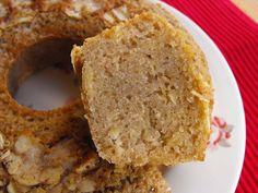 Bolo de canela com Porto e amêndoa - http://gostinhos.com/bolo-de-canela-com-porto-e-amendoa/