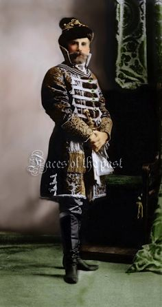 General baron Stackerberg at the Winter Palace Costume Ball of by ~VelkokneznaMaria on deviantART Russian Fashion, Royal Fashion, Russian Style, Russia Winter, Winter Palace, Masquerade Costumes, Imperial Russia, Folk Costume, Historical Costume