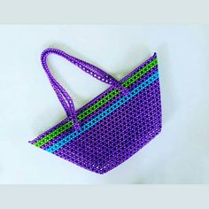 860723b662 An unique bag made from beads