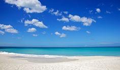 ¿Quién no ha soñado con esto? ¿por qué no estar en lugares increíbles para descansar tu cuerpo y alma?  Aquí están las 5 playas más bellas del mundo para que vayas eligiendo por donde empezar. No lo sueñes !Vívelo!  Sanyaes una de la