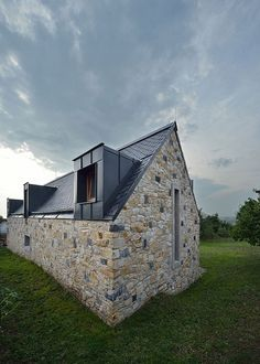 #Salvaged limestone and basalt from an old #barn