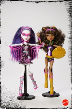 Power Ghouls that were on display at SDCCI 2012: Spectra Vondergeist as Polterghoul and Clawdeen Wolf Wonder Wolf