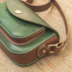 Pin by Bags on Sewing Bags in 2020 Small Leather Bag, Leather Pouch, Leather Purses, Leather Handbags, Leather Bag Pattern, Leather Workshop, Mini Handbags, Leather Bags Handmade, Leather Projects