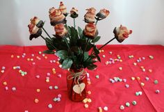 Tell someone you love them this Valentine's day with a bouquet of chocolate dipped maple bacon roses.