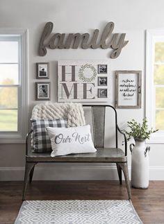 i 40 cozy farmhouse living room decoration ideas kitchensdesigns.i … – Living room decoration ideas Retro Home Decor, Easy Home Decor, Cheap Home Decor, Vintage Decor, Rustic Farmhouse Entryway, Modern Farmhouse, Farmhouse Style, Modern Rustic, Farmhouse Interior