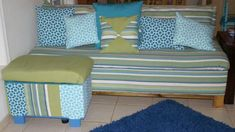 DIY sofa with storage. Diy Storage Couch, Storage Bench With Cushion, Diy Couch, Furniture Projects, Furniture Plans, Home Furniture, Easy Diy Projects, Home Projects, Build Your Own Sofa