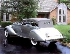 body by LeBaron | HowStuffWorks 1934 Packard Twelve Sport Phaeton by LeBaron