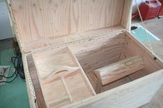 tack trunk plans - love the saddle rack in the box