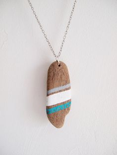 Driftwood Necklace, glowing blue, white colored and gray patterns Driftwood Jewelry, Driftwood Projects, Wooden Jewelry, Jewelry Art, Handmade Jewelry, Painted Driftwood, Driftwood Art, Beach Crafts, Diy Crafts
