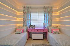 Iluminación indirecta para la habitación de dos adolescentes