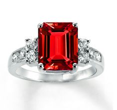 Ruby engagement ring? Yes, please! :)