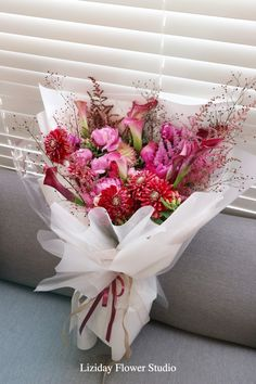 For all foreigners and Koreans living abroad,you can order flowers as long asif it's for delivery. Romantic Paris, Order Flowers, Flower Aesthetic, Rose, Planting Flowers, Wedding Bouquets, Flower Arrangements, Recycling, Gift Wrapping