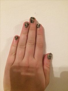 Army inspired nails