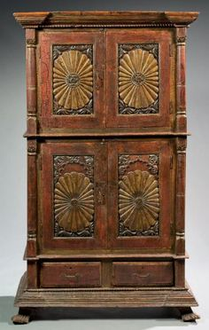CABINET BODY H: 191 cm - W: 109 cm - D: 53 cm Polychrome wood Goa - XVII century Very good condition, accident polychromy The creation of a colonial art in India begins with the voyage of Vasco da Gama from the banks of the Tagus to the shores of Kerala