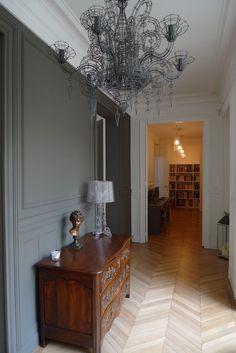 I love this interior design! It's a great idea for home decor. Home design. Interior Desing, Interior Design Inspiration, Interior Architecture, Interior Decorating, Classic Interior, Modern Interior, Interior And Exterior, Parisian Apartment, Apartment Design