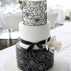 Wedding Cakes Black And White