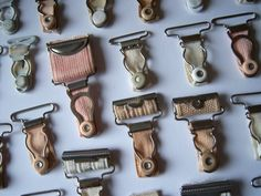 Vintage garter Clips ~ they were attached to . LOL = a girdle LOL Oh, I had forgotten all about these, & if they popped open, yer nylons fell down ROTFL Mode Vintage, Retro Vintage, Vintage Items, Vintage Outfits, Vintage Fashion, Suspender Clips, Good Ole, Vintage Lingerie, The Good Old Days