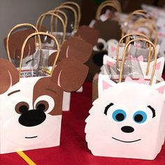 Set of 15 Party Favor Gift Bags / Goodie Bags / Treat Bags / Doggie Bags / Birthday / Baby Shower / Safari / Zoo Animals / Lion 2 Birthday, Animal Birthday, 2nd Birthday Parties, Puppy Birthday, Party Bags, Party Favors, Shower Favors, Shower Invitations, Wedding Favors