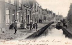 De Uiterste Gracht gezien vanaf de Oude Rijn..nu gedempt.  rond 1900 - Leiden.
