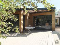 Apportez design et modernité à votre habitation avec du bardage thermopin, profil à claire-voie. #bardagebois