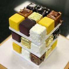 Elegant Desserts, Fancy Desserts, No Cook Desserts, Sweet Desserts, Cake Decorating Icing, Creative Cake Decorating, Creative Cakes, Mini Cakes, Cupcake Cakes
