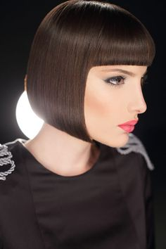 The best thing about blonde bob it looks flattering on any sort of haircut. Aside from that, bob haircuts are also incredibly simple to style. You should like lengthy bob for the outcome you would like. But you must pay attention to your hair type. Blunt Bob Hairstyles, Best Bob Haircuts, Wig Hairstyles, Straight Hairstyles, Short Bob Styles, Short Bob Wigs, Short Hair Cuts, Medium Hair Styles, Long Bob With Bangs