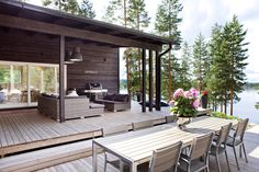 Box House with Timber Porch . Box House with Timber Porch . Outside Living, Outdoor Living, Norway House, Tiny House, Lakeside Cottage, Tiny Cabins, Box Houses, Backyard, Patio