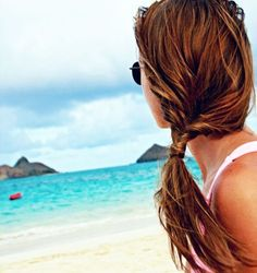 10 Easy Hairstyles for the Beach #theeverygirl