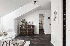 Afbeeldingsresultaat voor small attic apartment ideas