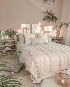 boho Schlafzimmer Tropical Home Living Room Bedroom, Home Bedroom, Modern Bedroom, Interior Design Living Room, Living Room Decor, Contemporary Bedroom, Bed Room, Bedroom Furniture, Bedroom Green