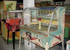 PINBALL: Collector Buys Pinball Machines, Baseball, EM Arcade games - Buying Pinballs