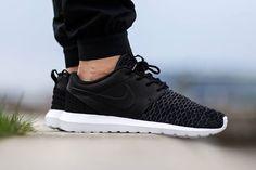 """Nike Roshe One Flyknit Premium """"Black"""""""