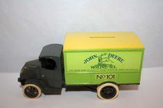 ERTL 1926 MACK BULL DOG JOHN DEERE DELIVERY BOX TRUCK 1:38 SCALE