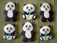 provide black, white, & green frosting to decorate bear-shaped cookies?
