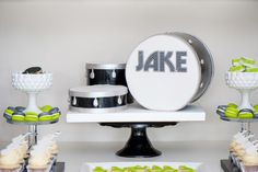Drum Set Cake -- Rock Star party. Lindsay you might have to save this one...