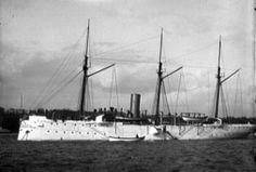 USS_Yorktown_(PG-1),La cañonera estadounidense Yorktown (c. 1890–1901). Fue enviada a la bahía de Baler en abril de 1899 para conseguir la rendición de la guarnición española y transportarla de vuelta a Manila.