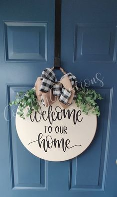 Wooden Door Signs, Diy Wood Signs, Holiday Crafts, Christmas Crafts, Front Door Christmas Decorations, Welcome Signs Front Door, Wood Wreath, Dollar Tree Decor, Diy Craft Projects