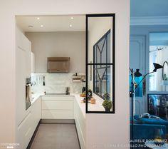 Маленькая кухня — это прекрасный шанс попробовать уместить в ограниченном пространстве всё необходимое.