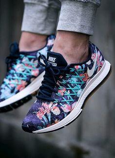 Nike free floral sneakers
