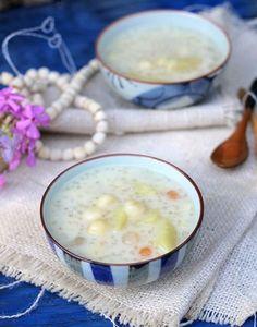 Sweet Potato with Lotus Seed Sweet Soup (Chè Khoai Lang và Hạt Sen). See more at http://www.vietnamesefood.com.vn/vietnamese-recipes/vietnamese-dessert-recipes/sweet-potato-with-lotus-seed-sweet-soup-che-khoai-lang-va-hat-sen.html