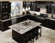 isla de cocina con encimera de mármol