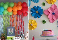 Imagens: http://www.espacoinfantil.com.br e http://freshideen.com painel de bolas com fitinhas