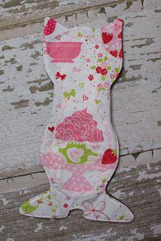 10.5 Kitty Shaped Reusable Cloth Menstrual Pad Pattern