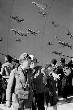 Boys at Expo 58 - Henri Cartier-Bresson (Magnum) #brussels #bruxelles #brussel