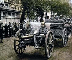 World War I in colour photos T. German Artillery troops, Berlin, 1914