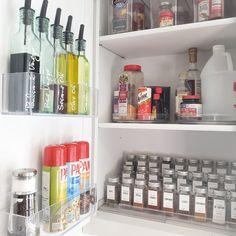 Kitchen Organization Pantry, Home Organisation, Home Organization Hacks, Organized Pantry, Home Decor Kitchen, Home Kitchens, The Home Edit, Pantry Design, Home Interior