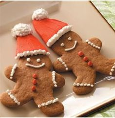 Our delicious traditional gingerbread cookies are ready for the holidays! Come on in and grab a few of your favorite cookies along with these fun gingerbread men! 🎅🌲 #Manderfields Bakery  #Gingerbread #Cookies